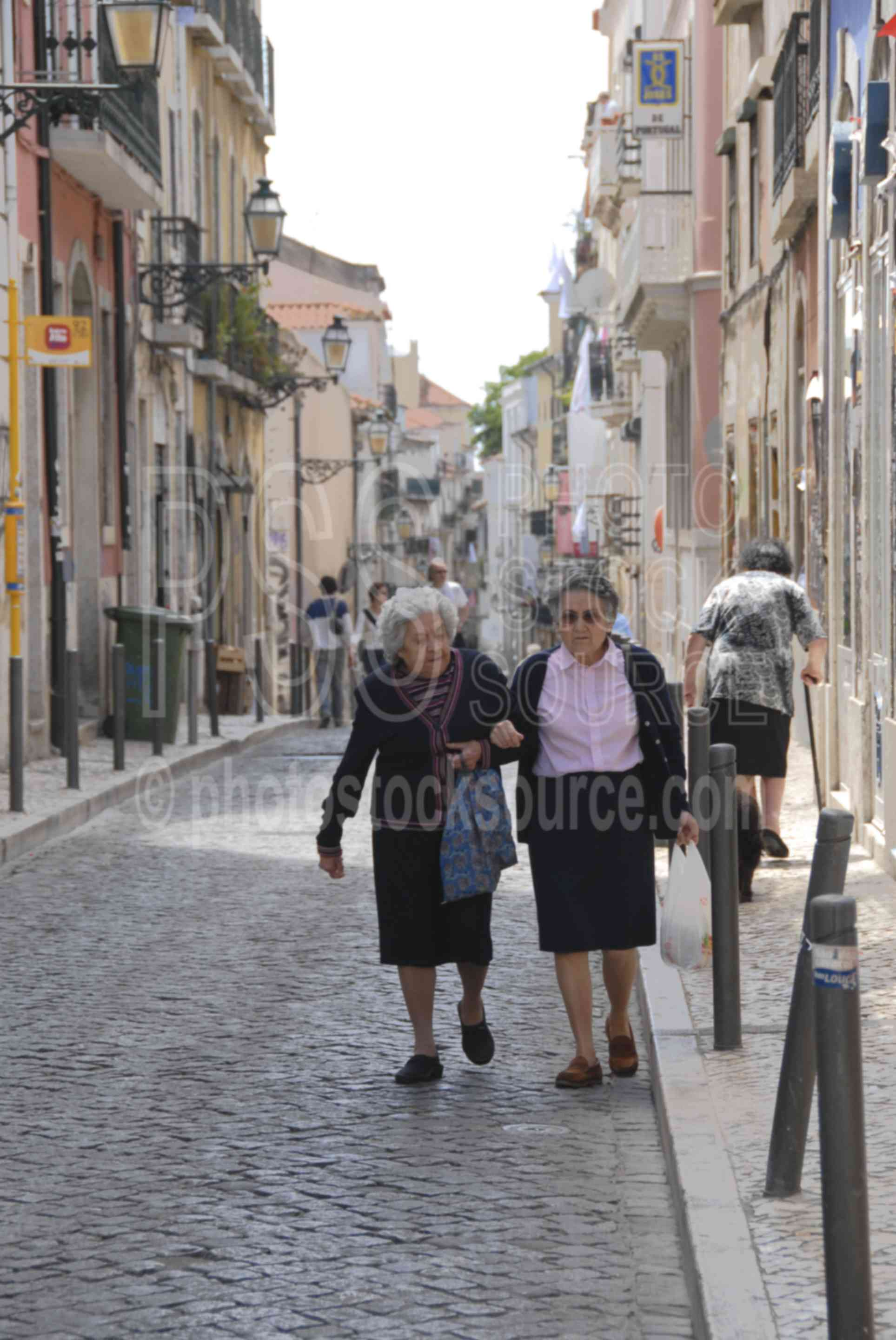 Old Ladies,women,ladies,people,woman,friends,old friends,street