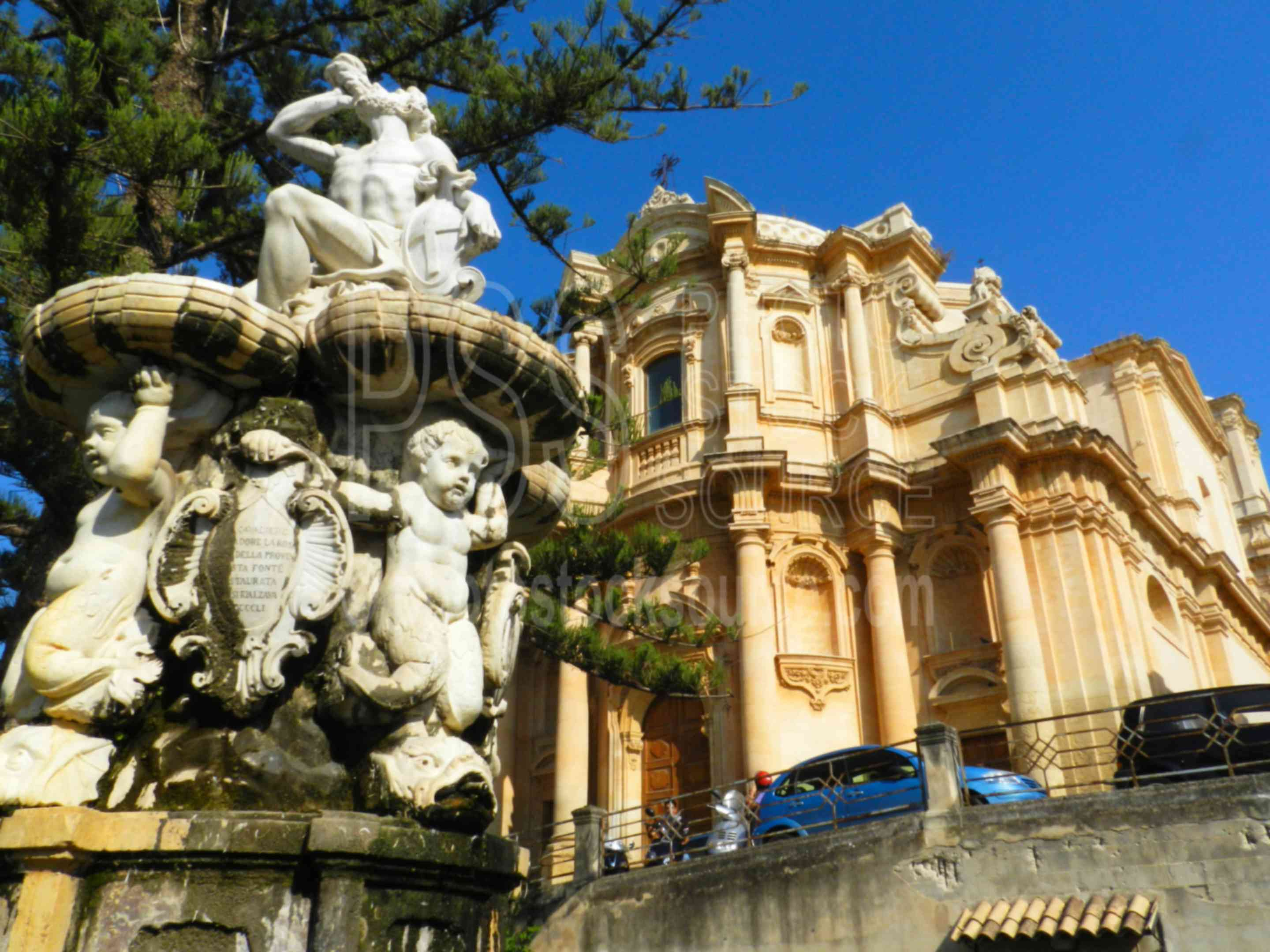 Ercole Fountain San Domenico,noto,statue,church,san domenico