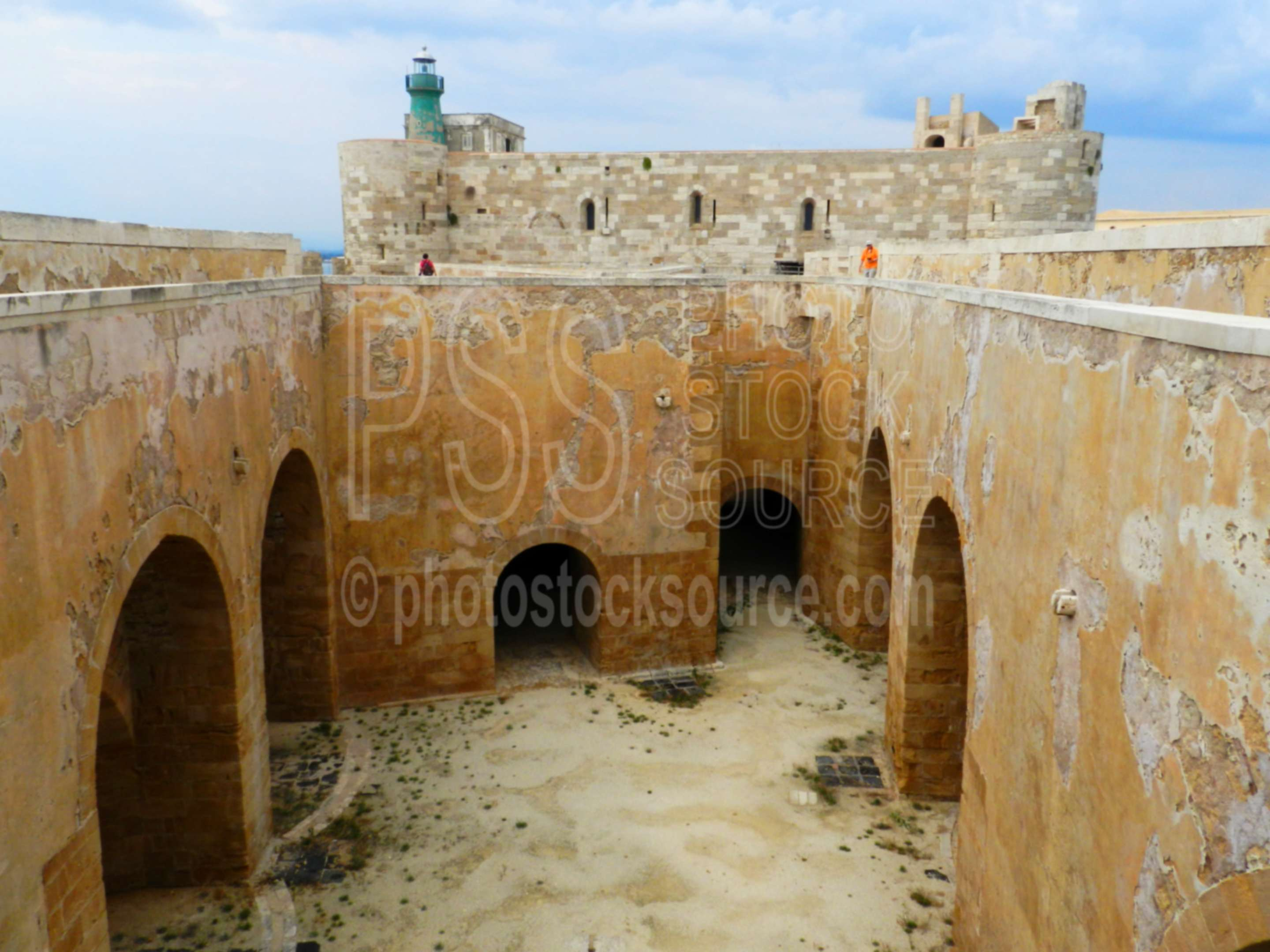 Castello Maniace Lighthouse,siracusa,ortigia,ortygia,castle,castello maniace,fort,fortification,defense,walls,lighthouse,faro