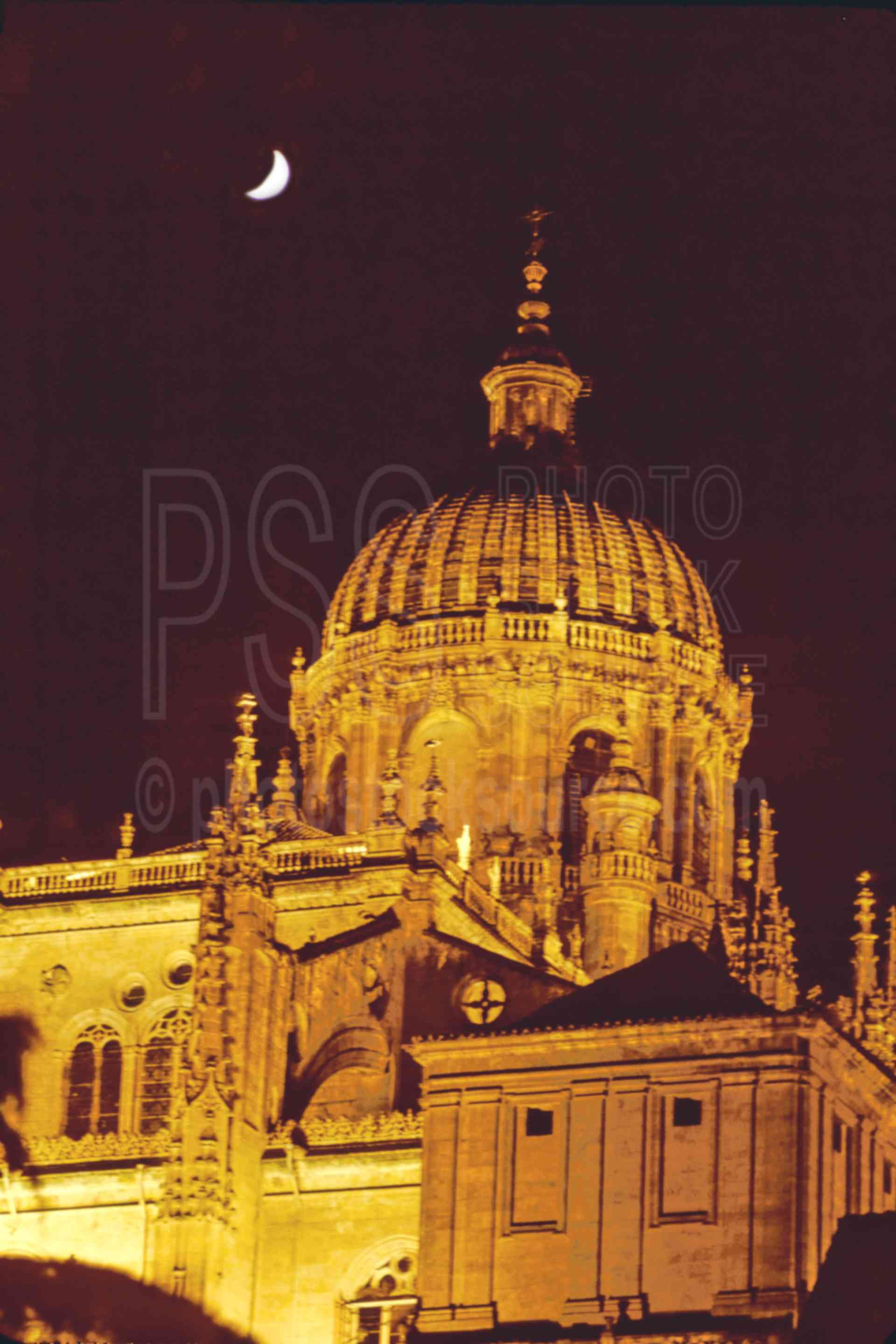 New Church and Moon,church,europe,moon,night,architecture,churches
