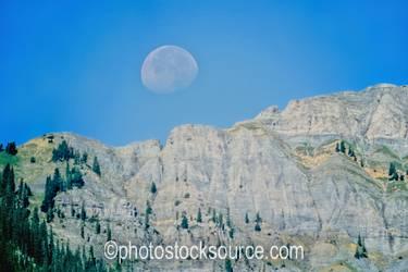 Rockies Moonset
