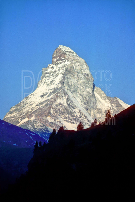 Matterhorn from Zermatt,europe,matterhorn,nature