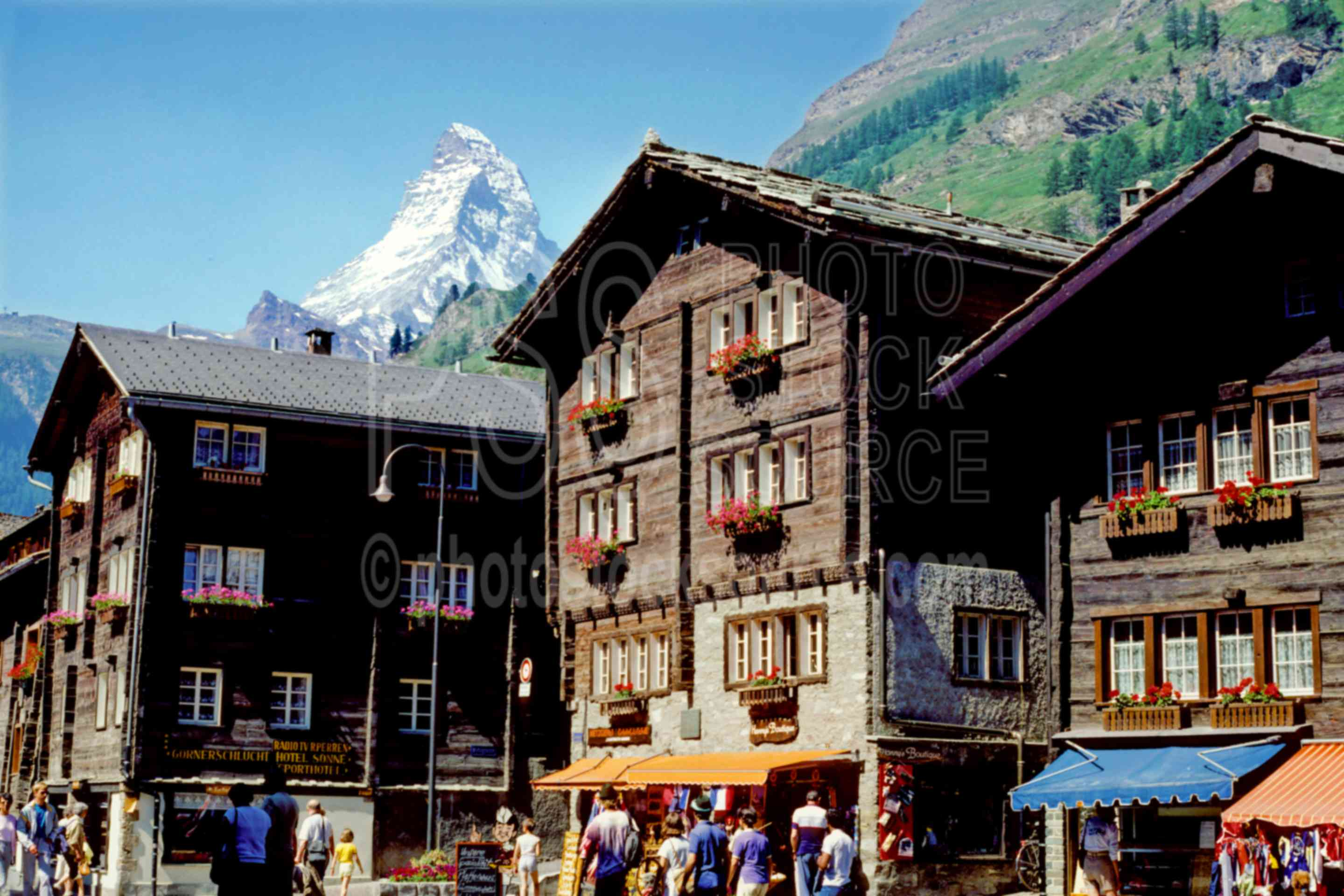 Matterhorn from Zermatt,europe,matterhorn,villages