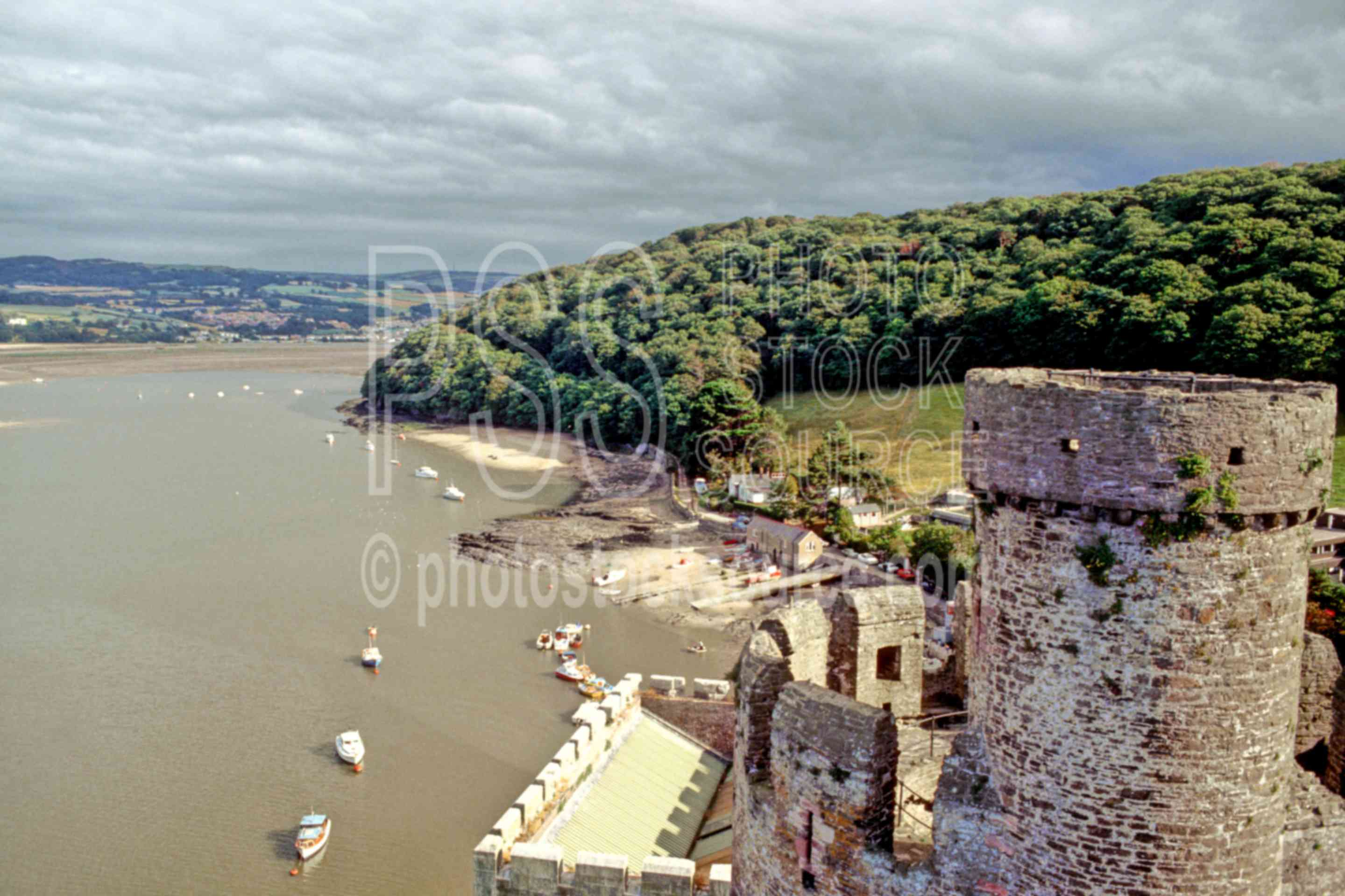 Conwy Castle,bays,castle,europe,ramparts,architecture,castles