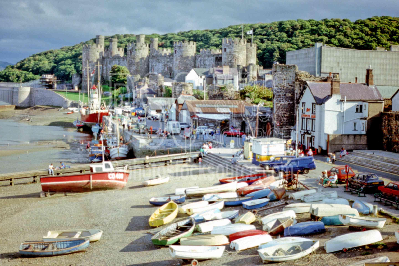 Conwy Castle,boat,castle,europe,ramparts,architecture,castles